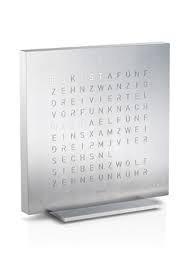 Horloge Qlocktwo Touch de table Acier brossé fonction réveil