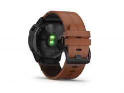 Montre GARMIN FENIX 6 X 51 mm PRO SAPHIR Carbone amorphe noir avec bracelet en cuir marron